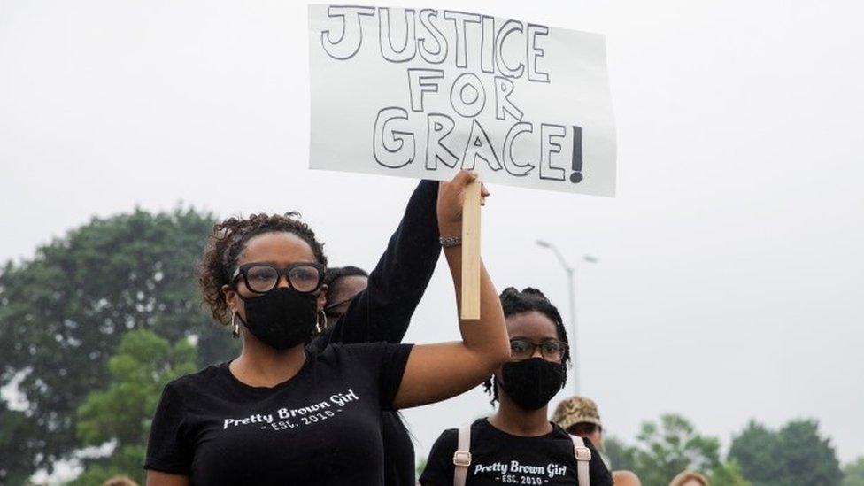 protesti zbog Grejs