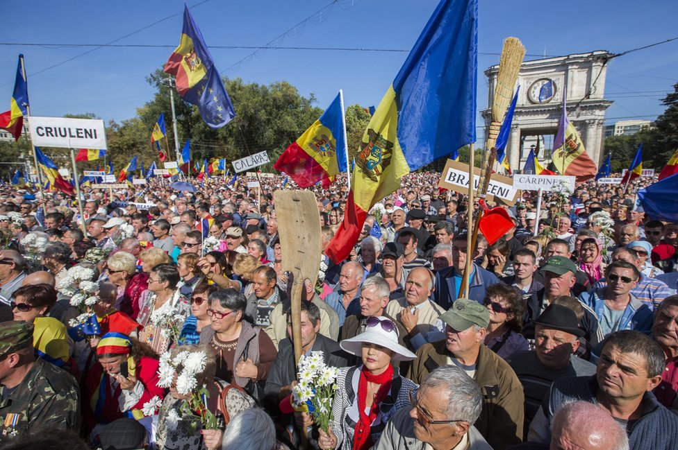 Anti-government rally, Chisinau, 4 Oct 15