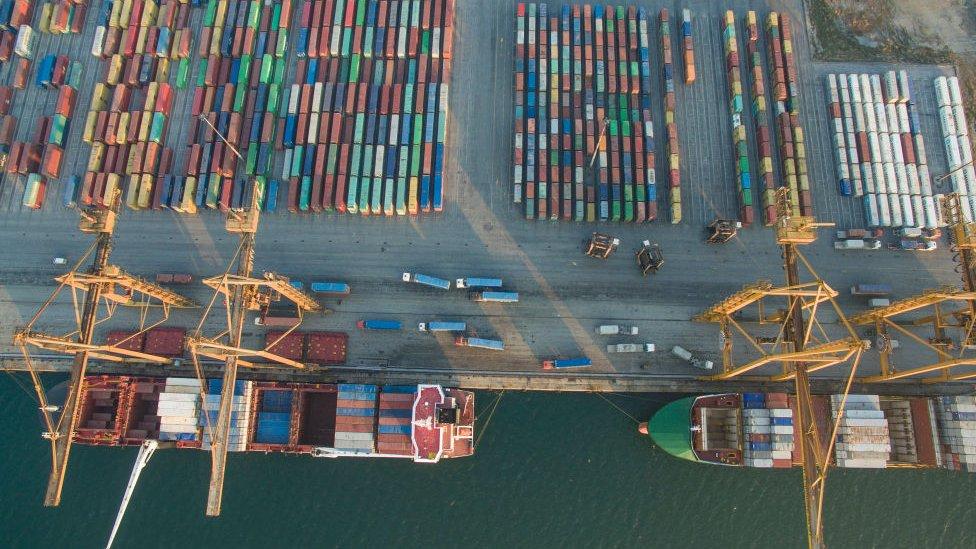 Nueve de cada 10 productos que se comercian en el mundo son movidos por mar.