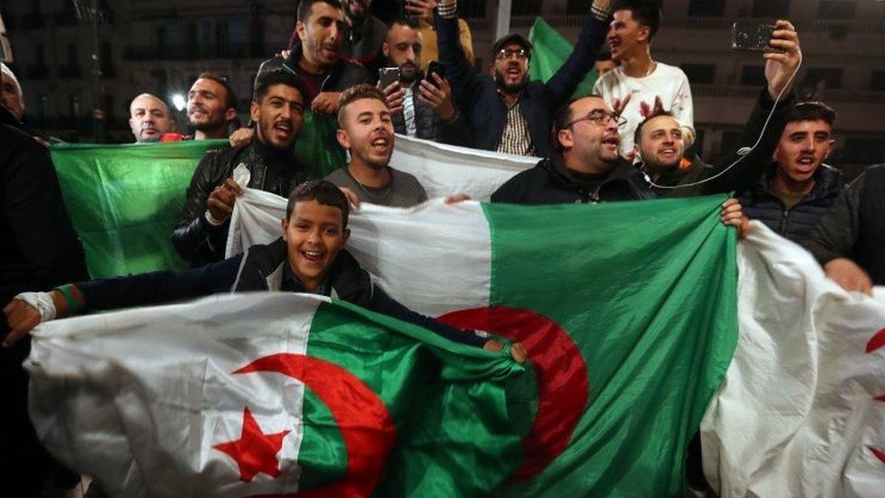 slavlje na ulicama Alžira