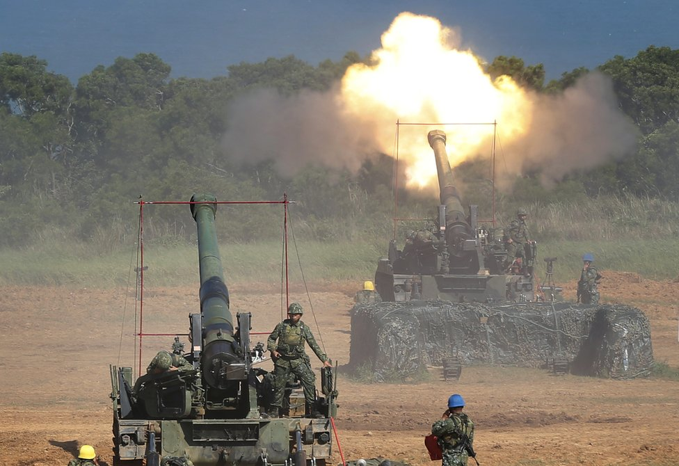 In this 10 September 2015 file photo, Taiwan's military fire artillery from self-propelled Howitzers during the annual Han Kuang exercises in Hsinchu, north eastern Taiwan