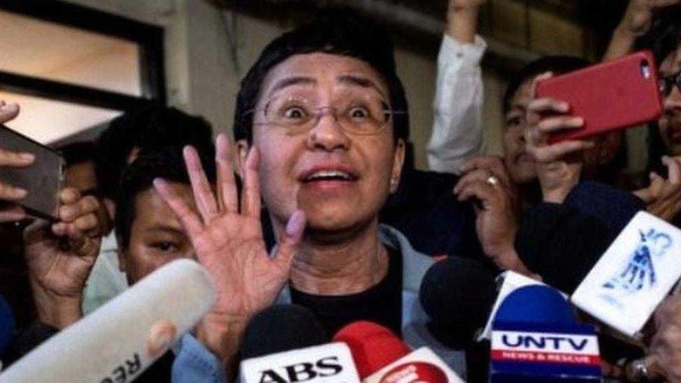 Шесть лет за опечатку. Почему президент Филиппин Родриго Дутерте ополчился на прессу и как ему в этом помог коронавирус