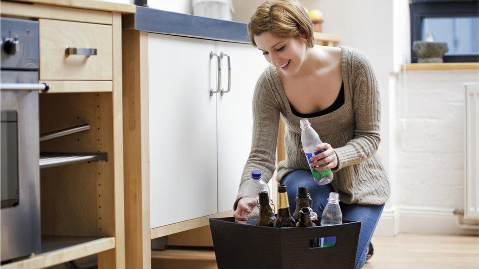Waste plan floats bottle deposit scheme