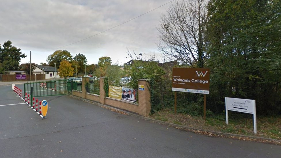 Reading teacher banned over sex with pupils