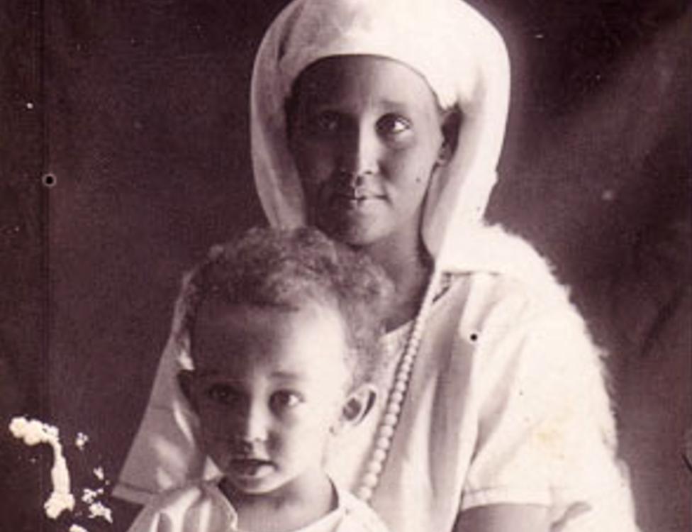 Ashkiro Hassan y su hijo Giorgio en 1925