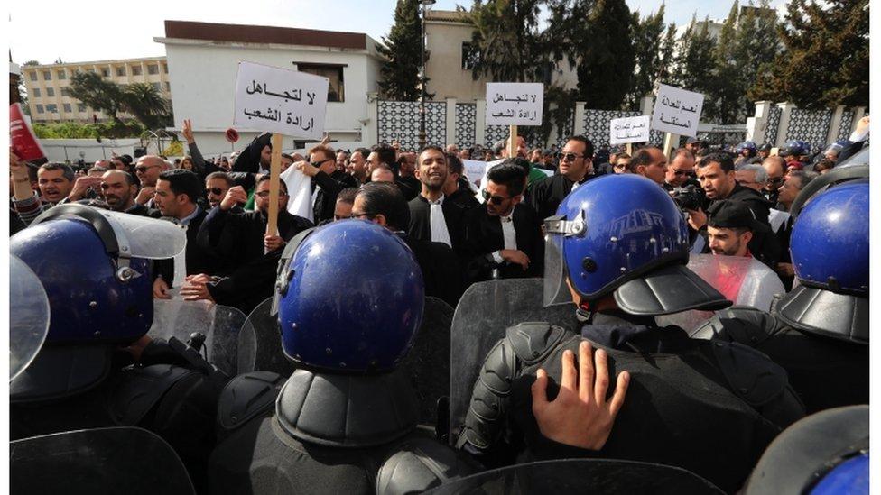 مظاهرات رافضة لترشح بوتفليقة لعهدة خامسة