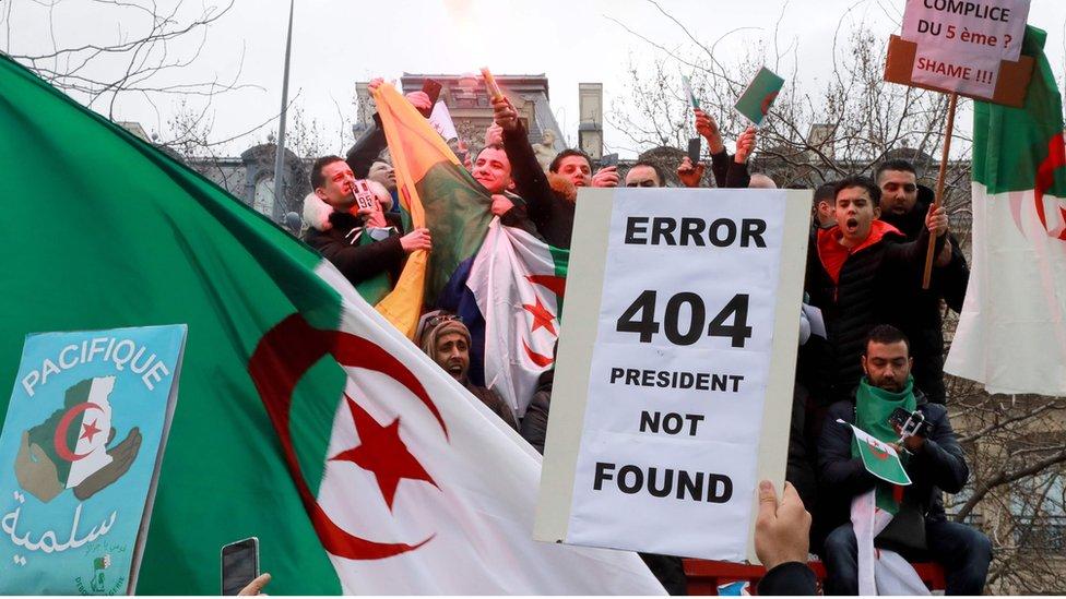 الطلاب الجزائريون عادوا للتظاهر الأحد ضد ترشح بوتفليقة