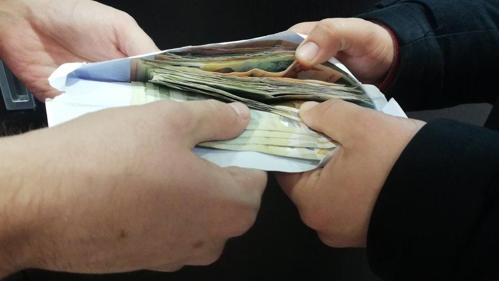 koverat novac