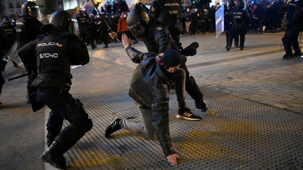 Cargas policiales en la manifestación de Madrid.