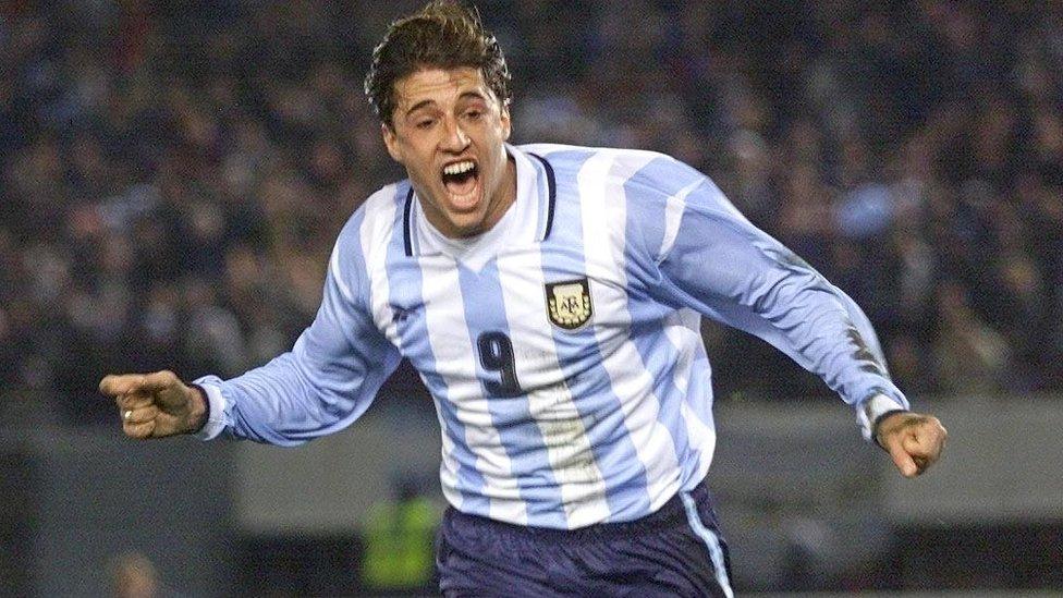 Hernán Crespo es el cuarto goleador histórico de la selección.