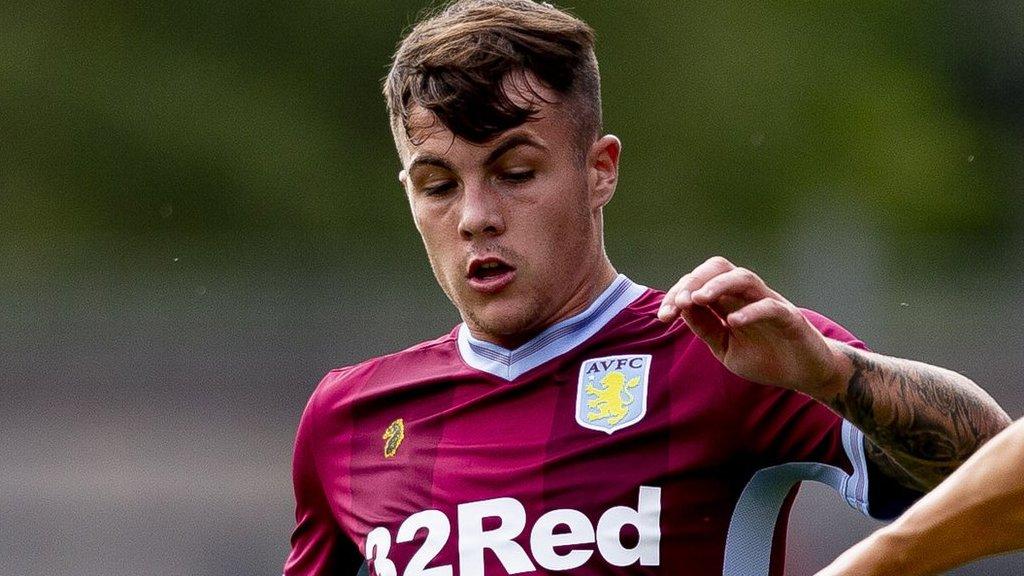 Mitchell Clark: Aston Villa loan Wales Under-19 defender to Port Vale