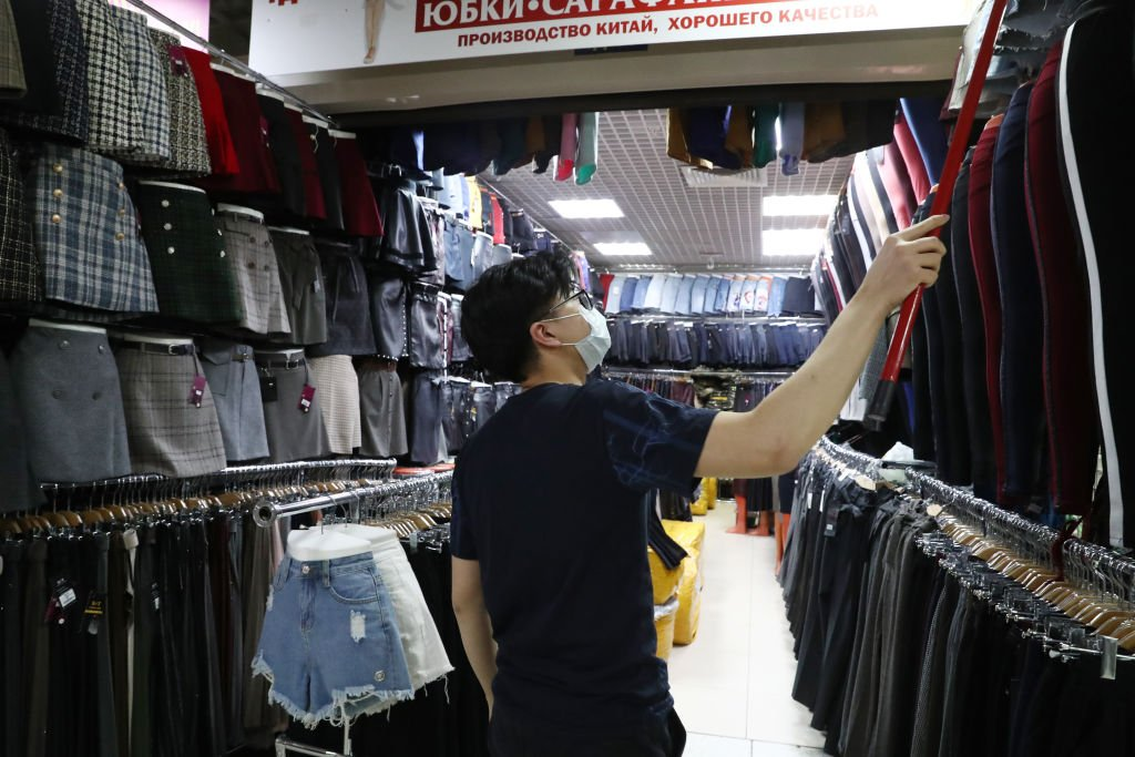 在俄羅斯經商和求學的中國公民有數十萬之多。中國官方稱,目前綏芬河的確診病例大多為在俄經商的個體商戶。