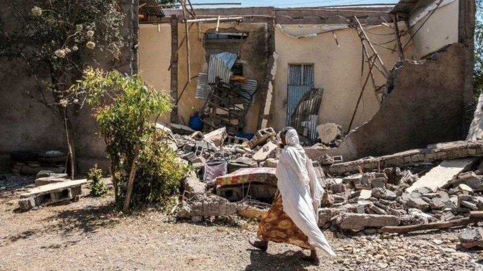 بيوت مدمرة في تيغراي