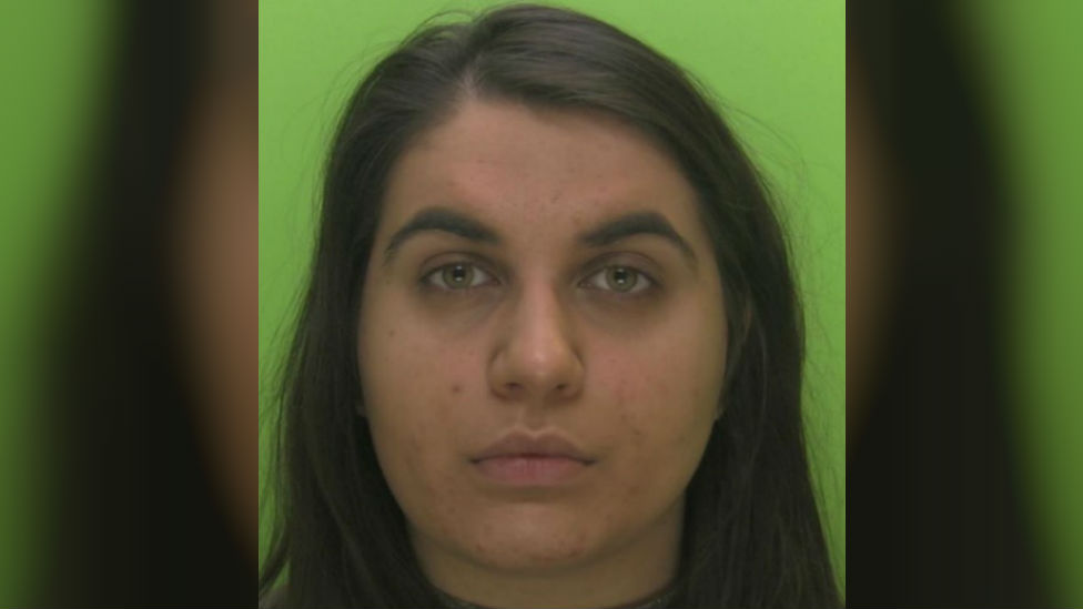 Nottinghamshire prison worker passed drugs to inmates