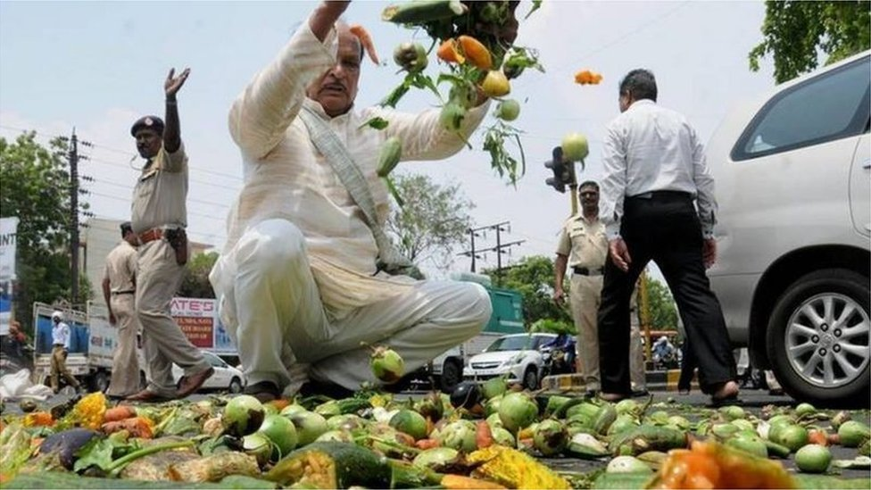Farmers in Maharashtra have dumped their produce on the roads in protest against low price, 2017