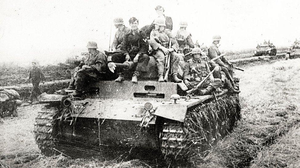 Panzer alemán, posiblemente en Rusia.