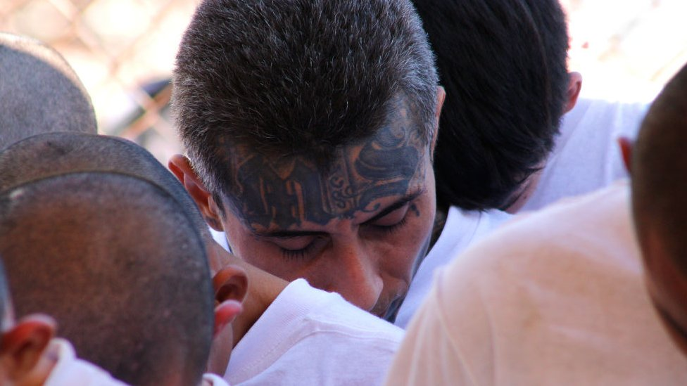 Miembro de pandilla en El Salvador