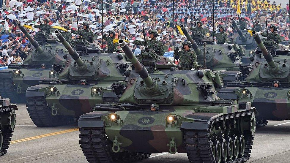 Tanques del ejército taiwanés