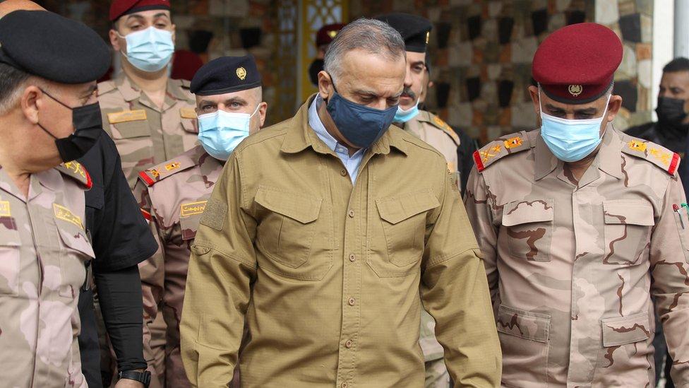 رئيس الورزار العراقي مصطفى الكاظمي في مواجهة مع الحشد الشعبي