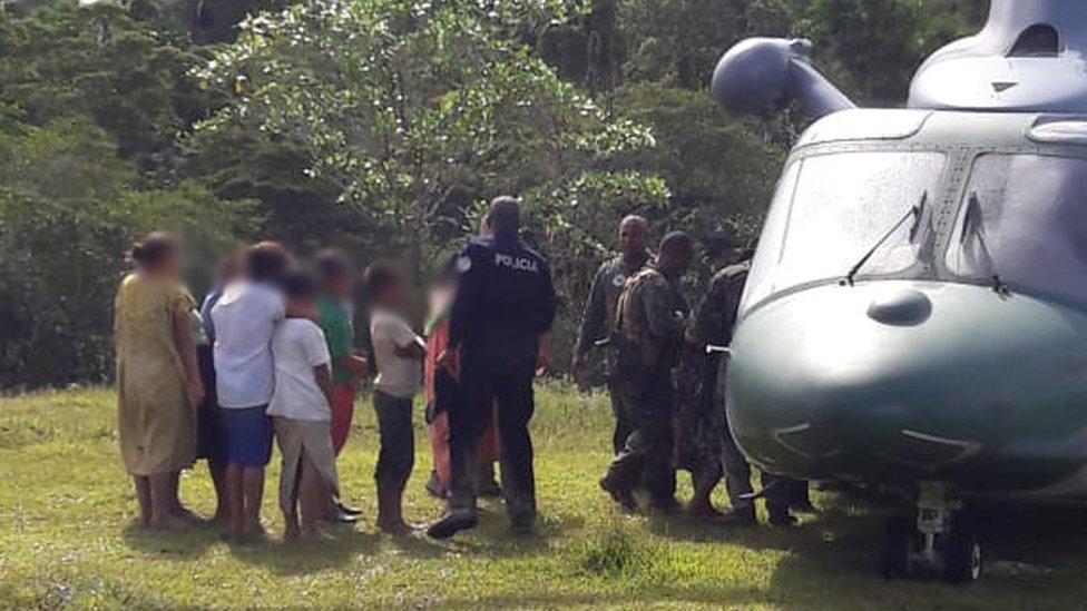 La policía habla con sospechosos en Ngäbe-Buglé