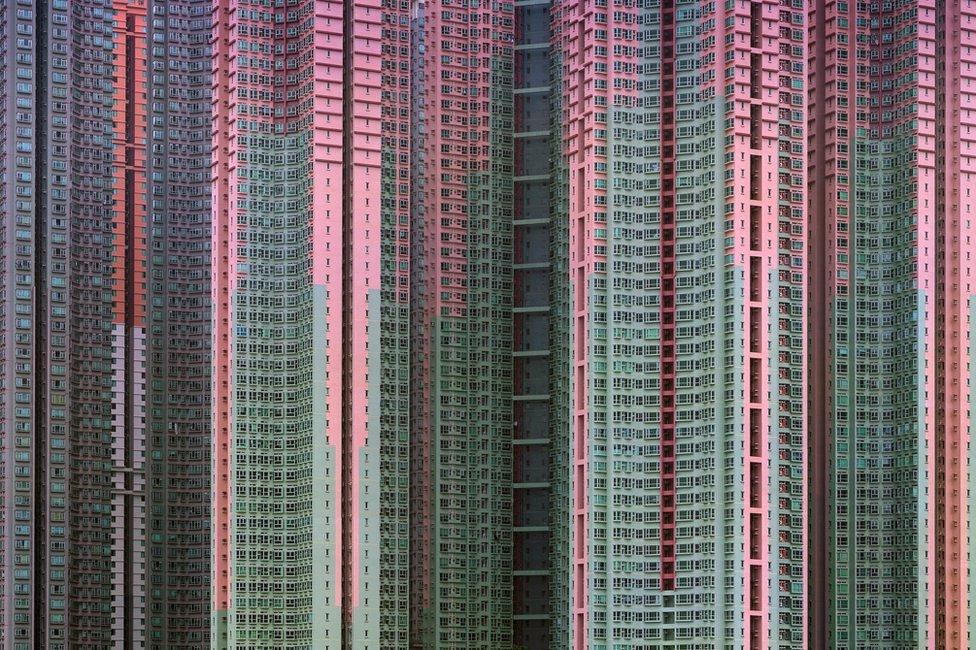 Majkl Volf, Arhitektura zbijenosti #39