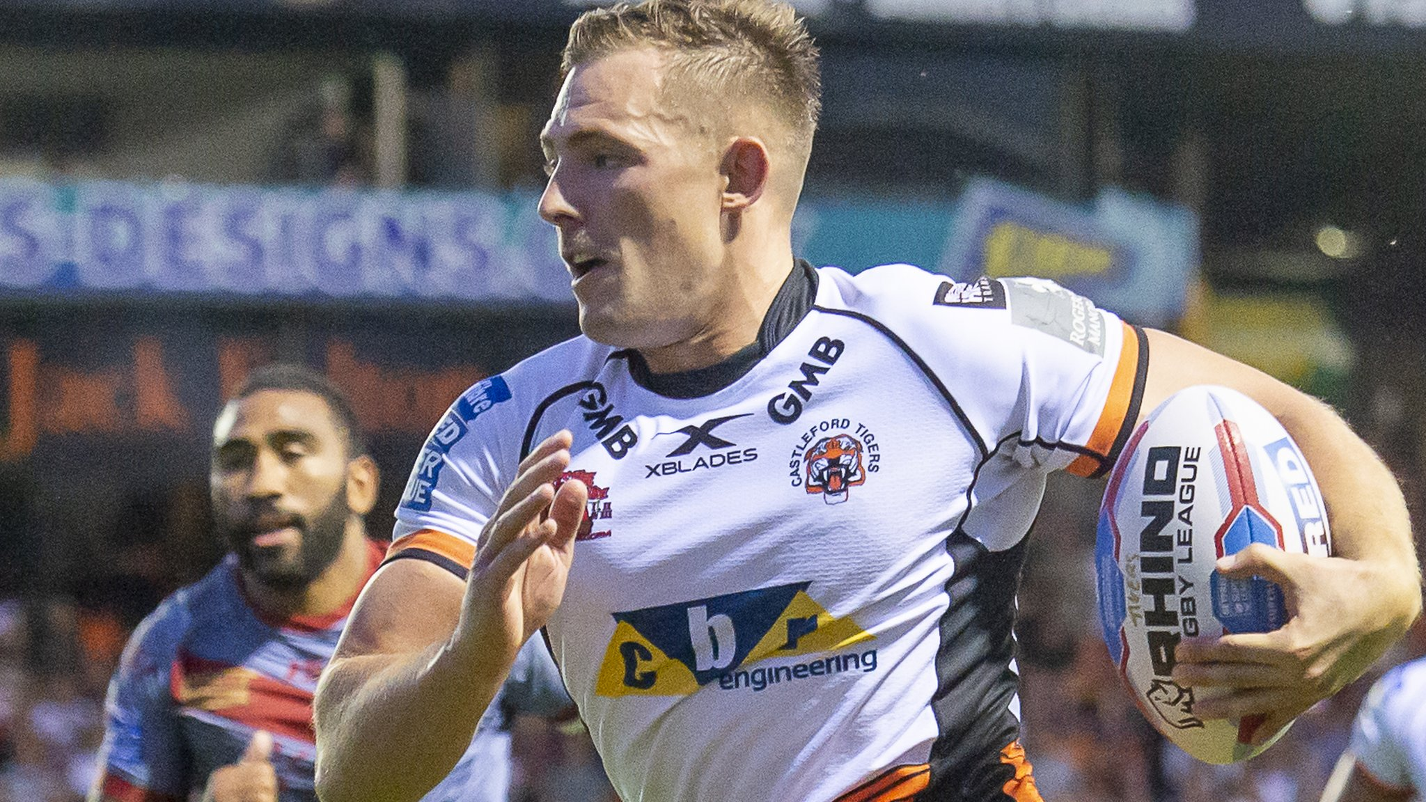 Super 8s: Castleford Tigers 42-10 Wakefield Trinity