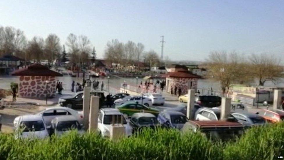 इराक़ में नौका डूबने से लगभग 100 लोगों की मौत