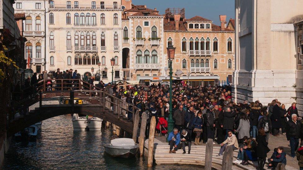 Multitudes en Venecia