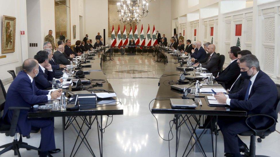 الاجتماع الأول للرئيس اللبناني ميشيل عون بحكومة ميقاتي