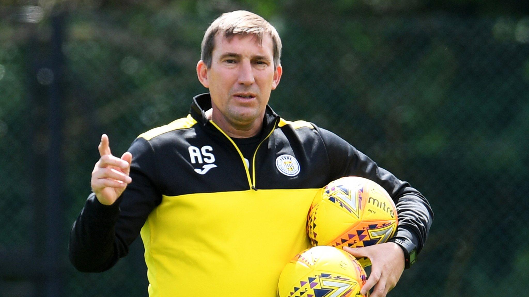 Jeff King: St Mirren sign former Bolton winger