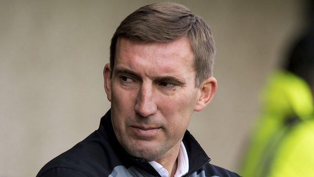 Hibernian head coach Alan Stubbs