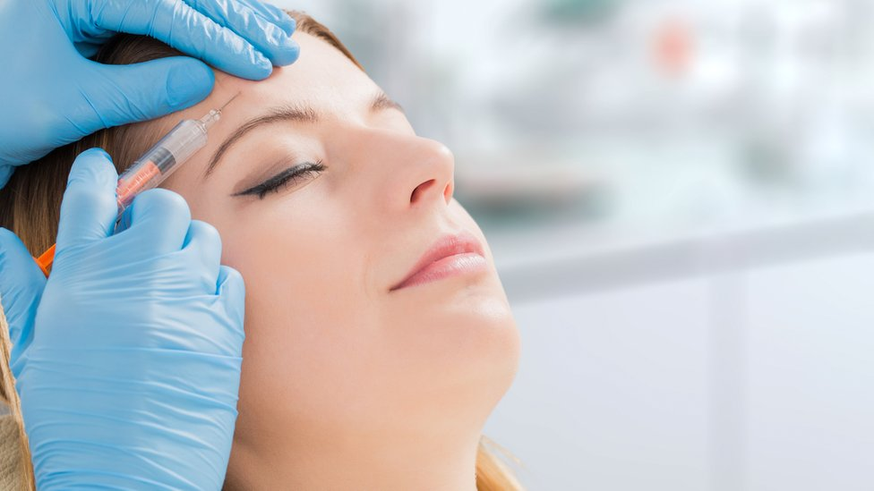 Surgeons' warning over Botox on High Street