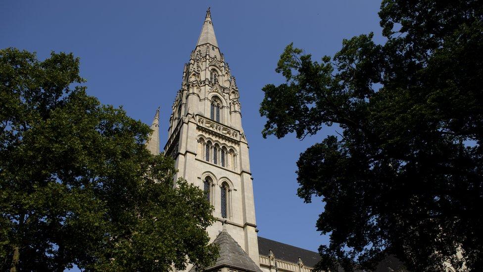 Pensilvanya'daki bir Katolik kilisesi.