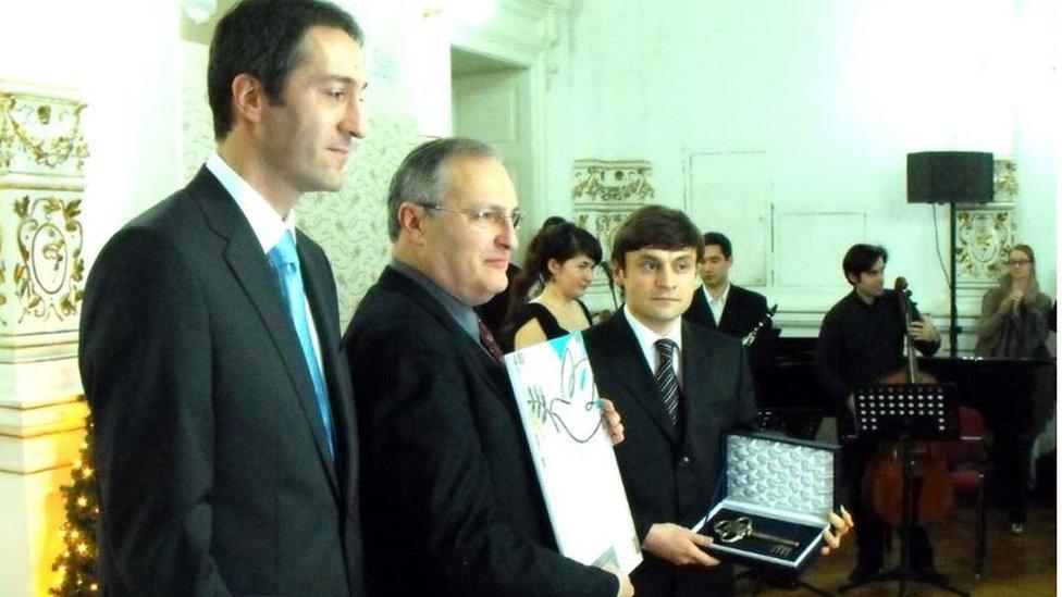 Zuroff, declarado ciudadano honorario de Novi Sad.