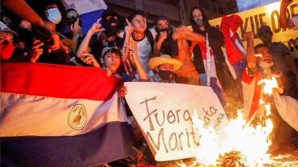 Protesta en Paraguay contra la gestión de la pandemia