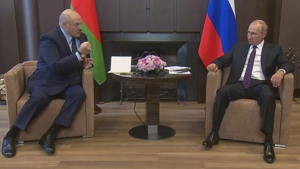 白俄羅斯總統盧卡申科周一在索契同俄羅斯總統普京舉行會談
