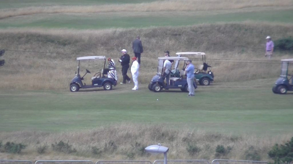 Trump takes to the Turnberry golf course