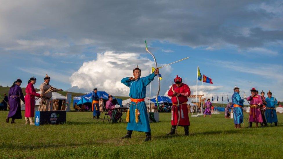 arquero en el festival Naadam.