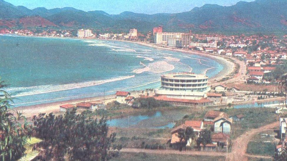 Foto de Praia Central en la década de los 60.