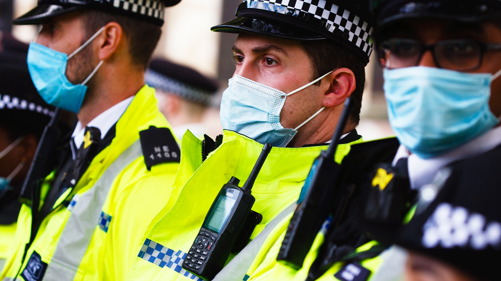 Coronavirus: What powers do police have if people break Covid rules? thumbnail