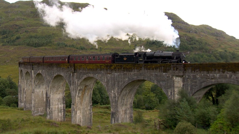 Expreso de Hogwarts en el viaducto de Glenfinnan.