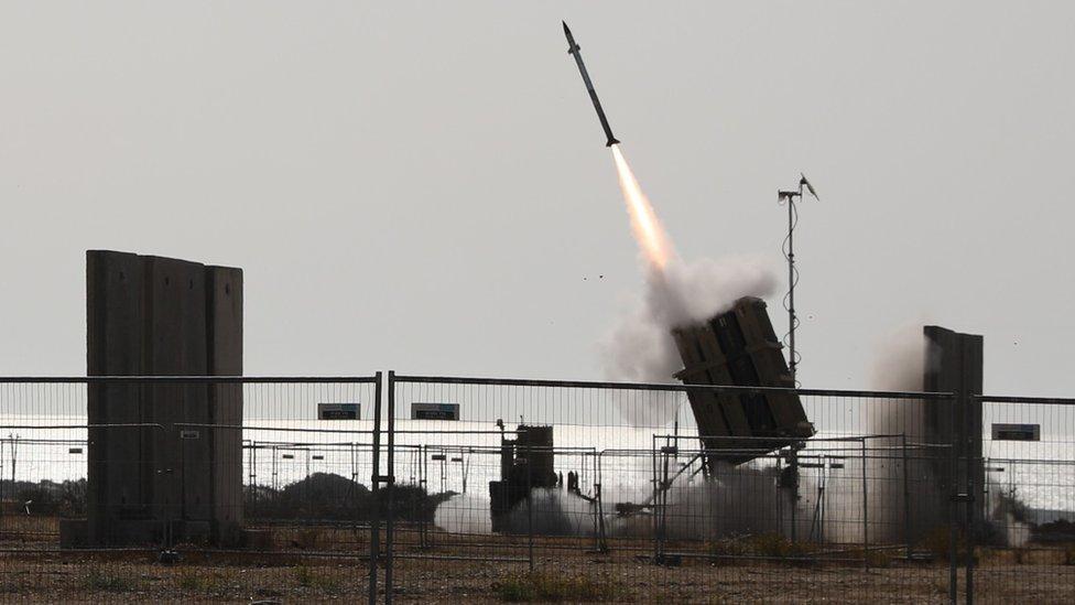 El sistema del Domo de Hierro en funcionamiento en Ashkelon, Israel (11 Mayo 2021)