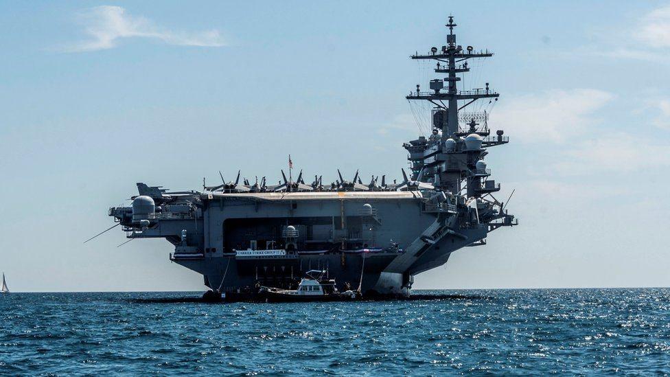 نشرت الولايات المتحدة حاملة طائرات وقاذفات قنابل من طراز بي 52 إلى الشرق الأوسط،