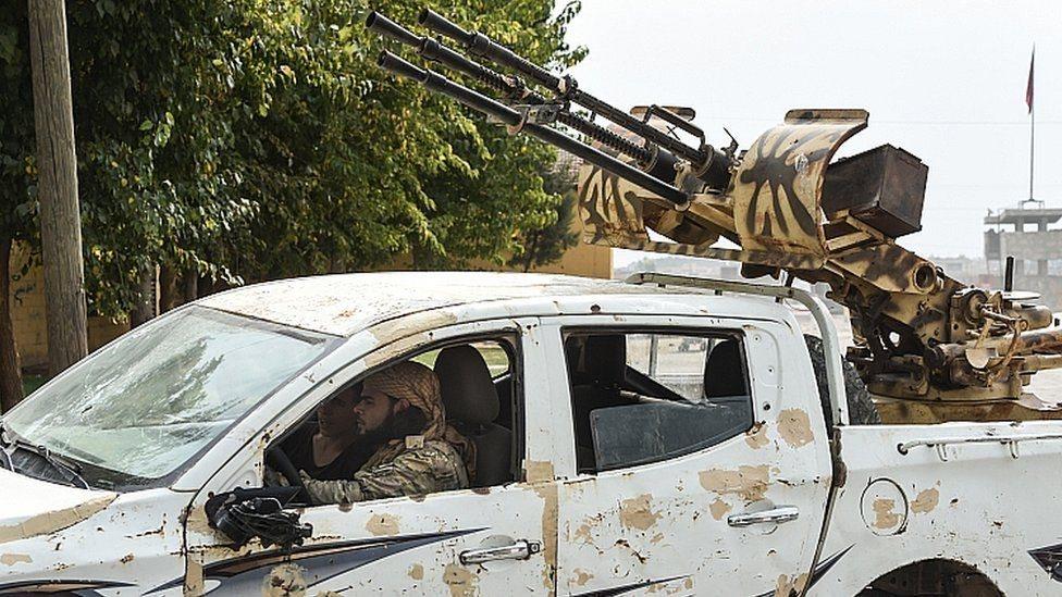الهجوم التركي، وقوات سوريا الديمقراطية، والأكراد في شمال سوريا