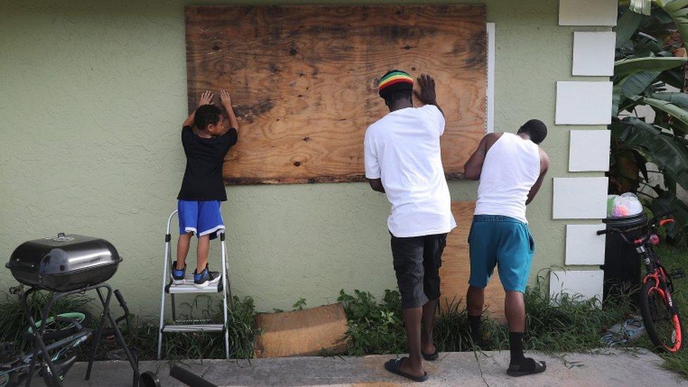 Priprema za uragan u Port Salernu na Floridi