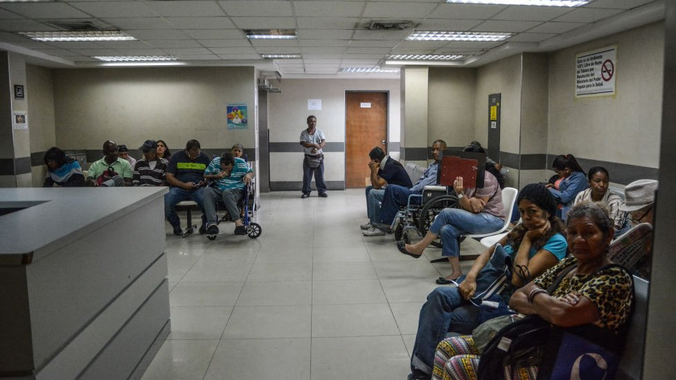 Sala de espera en un hospital de Venezuela.
