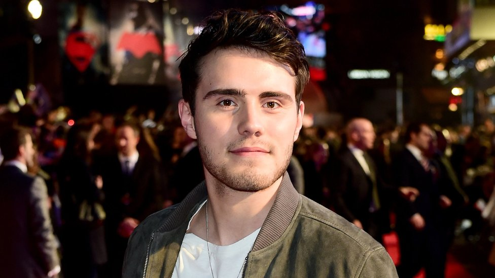 Alfie Deyes is mocked for saying he's 'not a Tory' in apology video