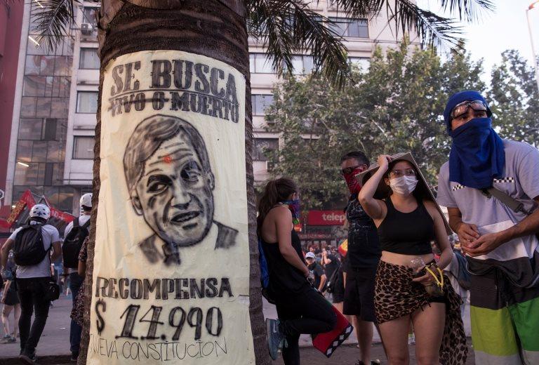 Protestocular Devlet Başkanı Sebastián Piñera'nın reform önerilerini yeterli bulmadı