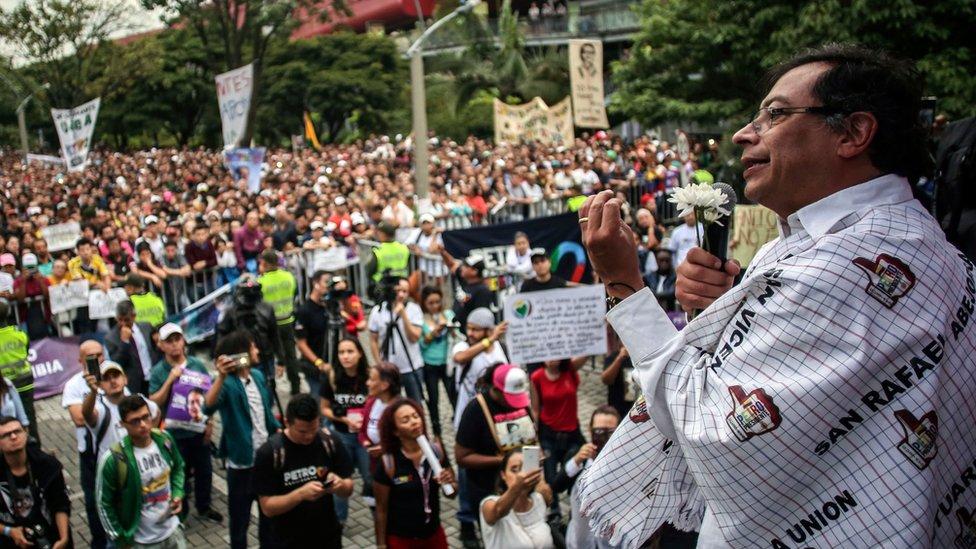 Tanto Petro como Duque han capitalizado el desencanto de los colombianos en la política predominante.