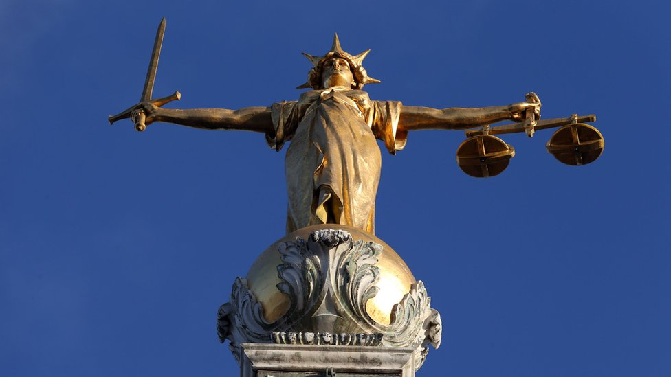 """Pomeroy""""s Statue of Lady Justice atop the Central Criminal Court buildng at the Old Bailey"""